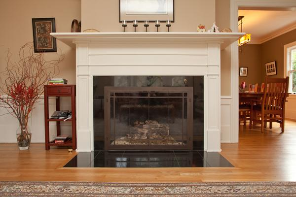 Living Room Mantel with Granite Tile